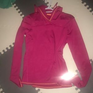 Dry fit pullover hoooded top